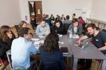 In Kleingruppen konnten die Teilnehmenden Berliner Unternehmen und Berufsbilder der Energie- und Klimaschutzbranche kennenlernen und über ihre persönlichen Chancen diskutieren Foto: ©Berliner Energieagentur, Dietmar Gust