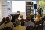"""Mathias Helfert präsentierte das Unternehmen indielux, ein Entwickler von Solaranlagen für den Balkon. Foto: ClubE-Event """"Unternehmensgrün(d)ung"""" am Heldenmarkt © Berliner Energieagentur, Dietmar Gust"""