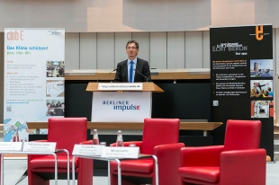 """Staatssekretär Christian Gaebler: """"Das Engagement junger Menschen ist wichtig für das klimaneutrale Berlin 2050"""" Foto: Berliner Energieagentur"""