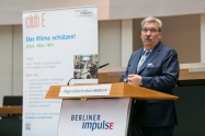Ralf Wieland, Präsident des Abgeordnetenhauses von Berlin war Schirmherr der Veranstaltung und begrüßte die Teilnehmenden. Foto: Berliner Energieagentur