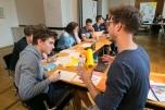 In fiktiver Ausschussarbeit entwickelten die Schülerinnen und Schüler gemeinsam Forderungen für die klimaneutrale Stadt von Morgen. Foto: Berliner Energieagentur