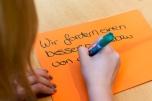 Die energie- und klimapolitischen Forderungen kamen aus den Themenbereichen Mobilität, Energie, Bildung und Konsum. Foto: Berliner Energieagentur