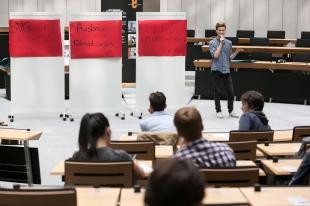 Der Ausschuss Mobilität forderte beispielsweise kostenlosen öffentlichen Personennahverkehr, den Ausbau von Fahrradwegen sowie die Förderung umweltfreundlicher Verkehrsmittel. Foto: Berliner Energieagentur