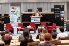 Ralf Wieland, Präsident des Abgeordnetenhauses von Berlin, begrüßte die Teilnehmenden. Foto: © Berliner Energieagentur, Dietmar Gust