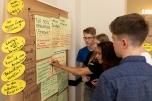 Welche Forderung ist am wichtigsten? Die Jugendlichen stimmen ab. Foto: © Berliner Energieagentur, Dietmar Gust