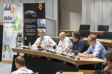 Abschließend wurden die zentralen Forderungen mit den umwelt- und energiepolitischen Sprechern der im Abgeordnetenhaus vertretenen Parteien diskutiert:Christian Gräff (CDU, Dr. Michael Efler (Linke), Frank Scholtysek (AfD) und Henner Schmidt (FDP) nahmen an der Abschlussdiskussion teil. Foto: © Berliner Energieagentur, Dietmar Gust